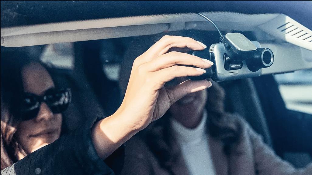 camera giám sát hành trình ô tô